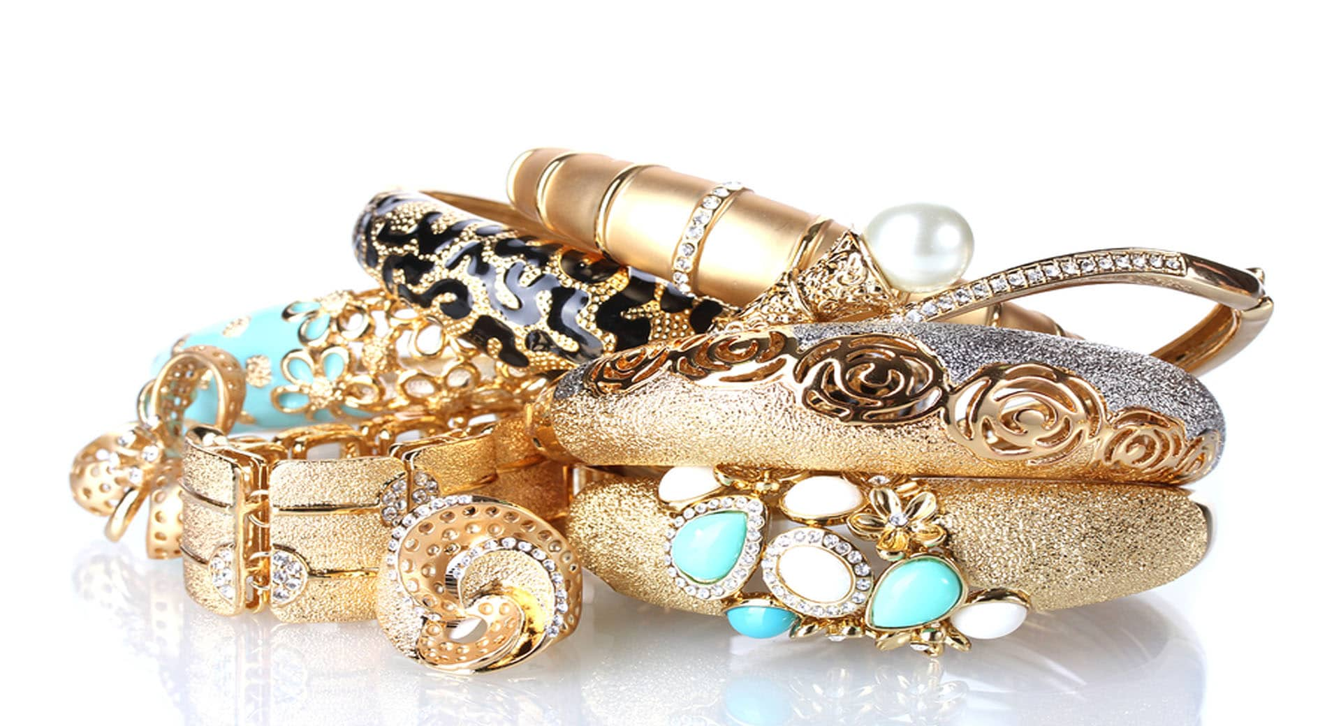 Selling and pawning and buying jewelry in Phoenix, Arizona